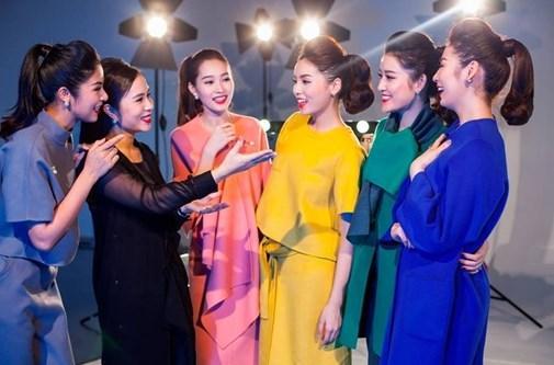 anh-hau-truong-khong-photoshop-cua-5-hoa-hau-a-hau-hot-nhat-hien-nay-1622867