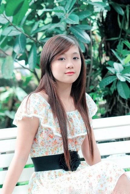 hinh-girl-xinh-de-thuong-lam-hinh-nen-dien-thoai-18