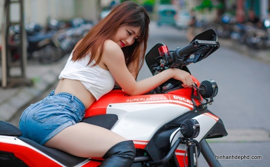 nguoi-dep-hotgirl-voi-xe-mo-to-2