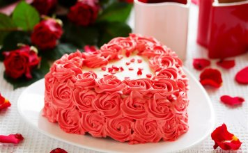 bánh kem sinh nhật hoa hồng